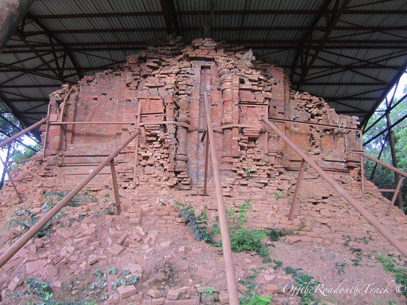 Yerlebir olmuş bir tapınak