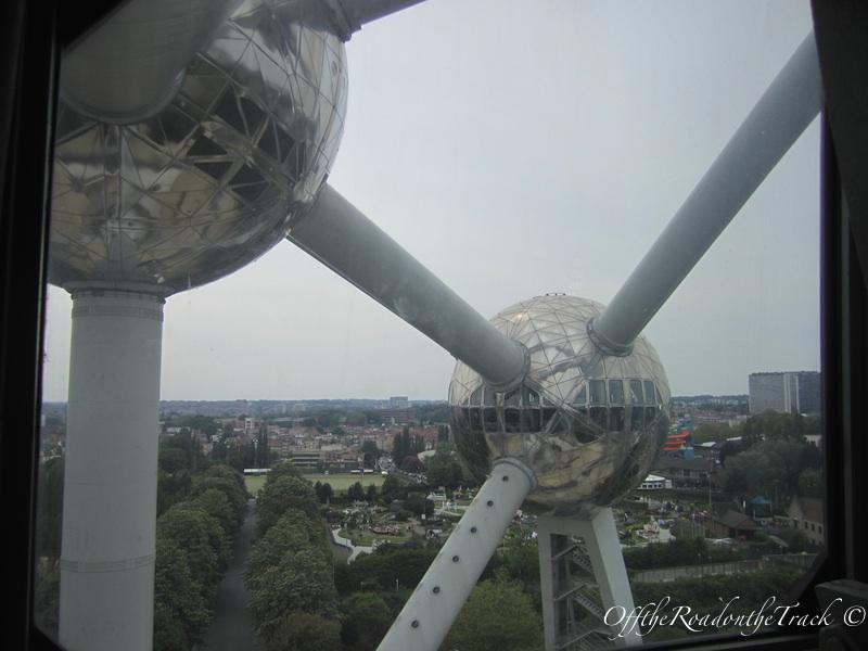 Atomium içinden Brüksel'e bir bakış
