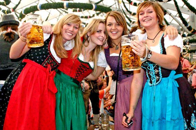 Oktoberfest Drindl