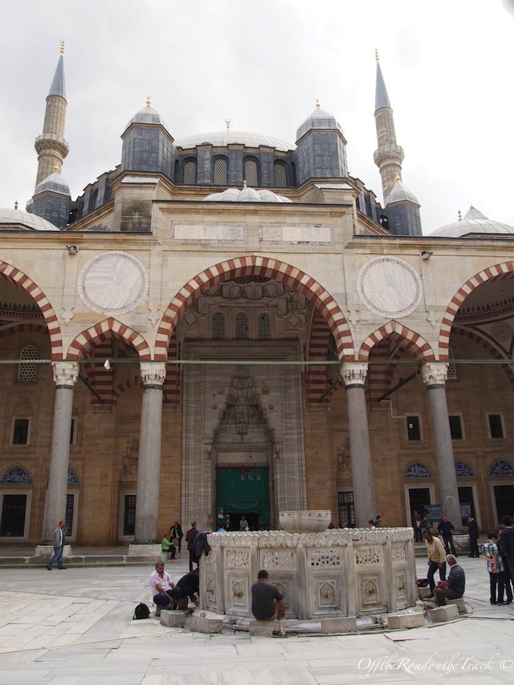 Edirne Eski Caminin Yazısı Selimiyenin Yapısı Off The Road On
