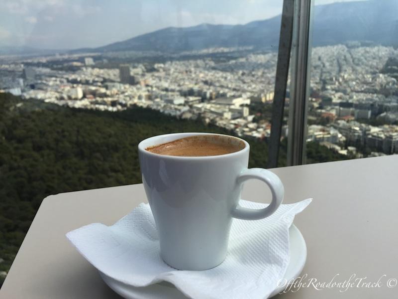 Lykavittos Tepesi'nde Türk kahvesi keyfi