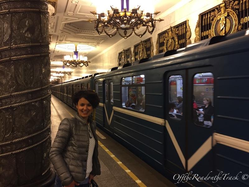 Süslü metro istasyonları