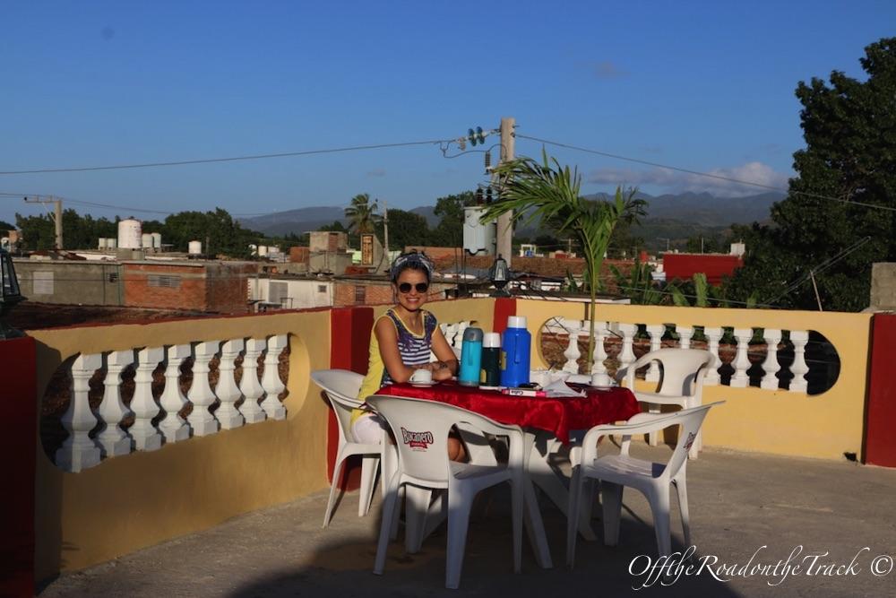 CASA Roger y Oda - Terasta Kahvaltı Keyfi