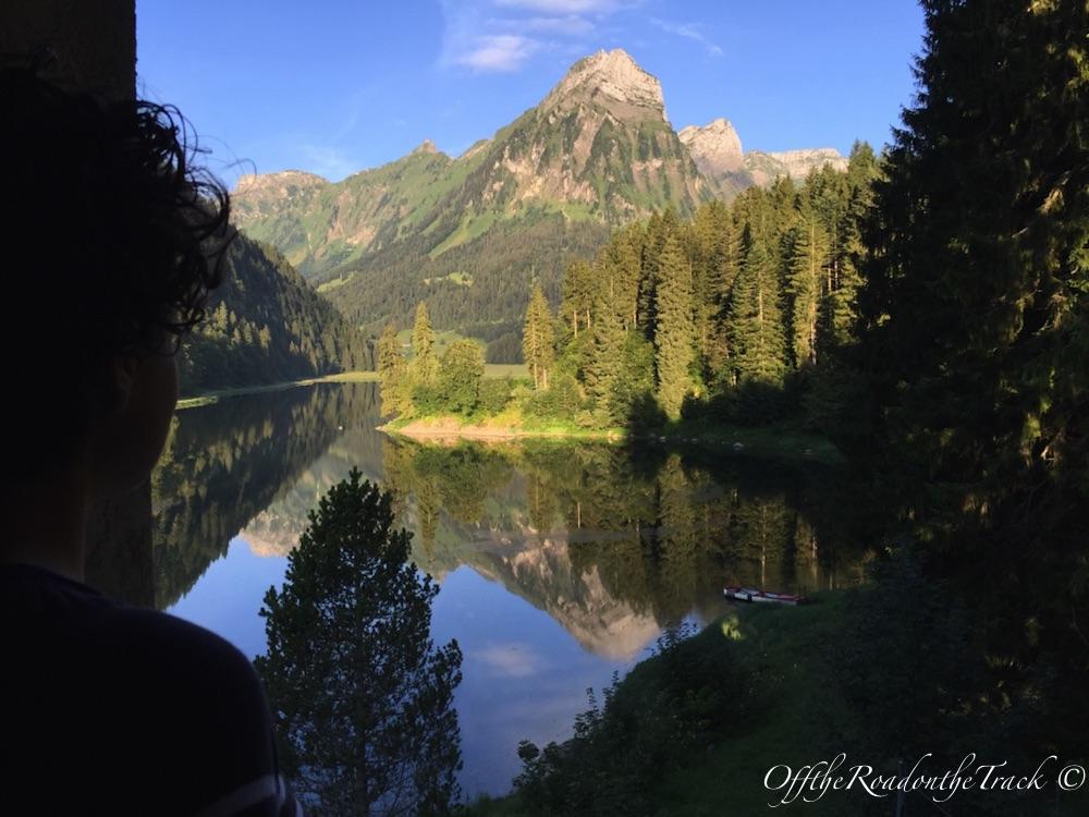 Kaldığımız odadan Ober Gölü manzarası. Sabah 6:30 suları