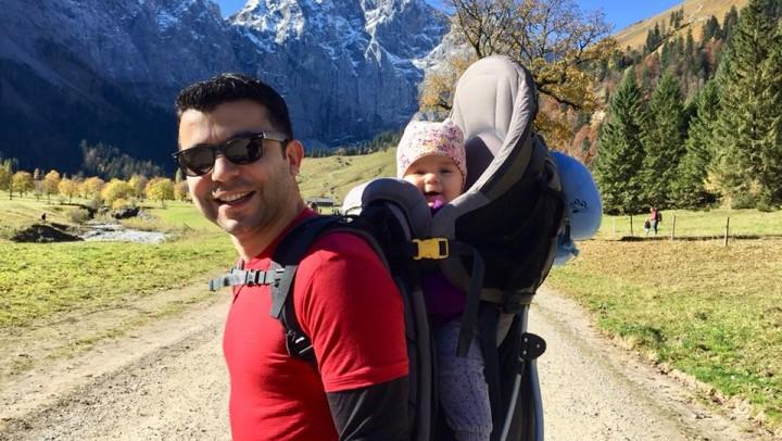 Bebeği taşıdığımız o zımbırtı da nedir?
