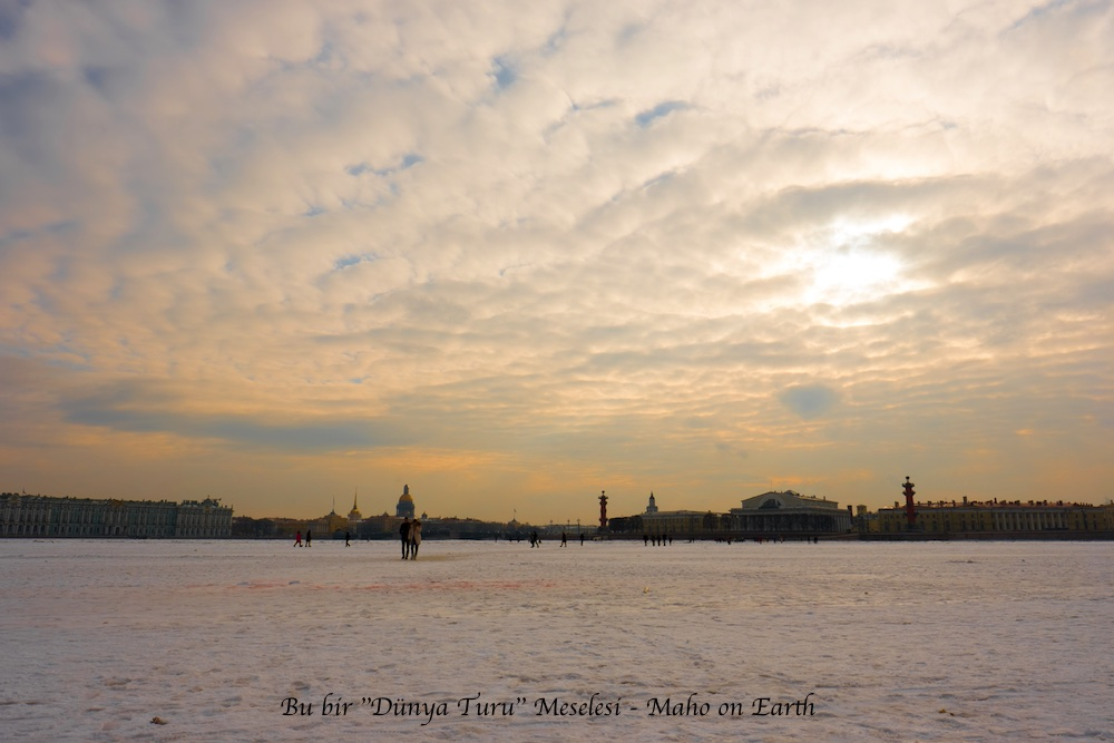 Saint_Petersburg_Frozen_Neva_River-imp